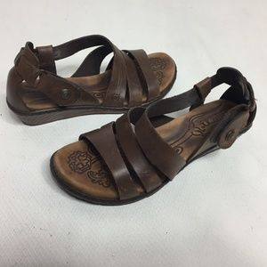 Born Sandals Slingback Strappy Brown Wedge Leather